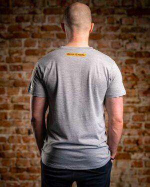 kroftstodl t-shirt beugen druckn heben ziagn